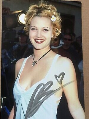 Drew Barrymore Hand Signed Original Autograph Photo *OFFERS WELCOME*
