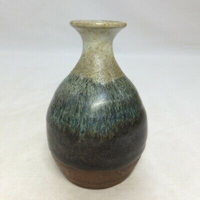 D759: Japanese bottle or vase of OLD KARATSU pottery of popular CHOSEN-GARATSU