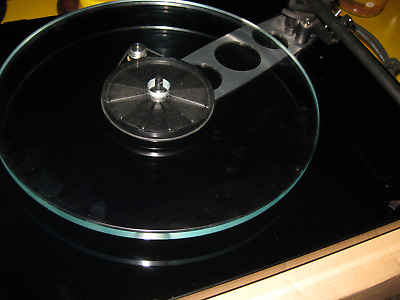 Rega Planar 3. RB330 24v includes ttpsu.