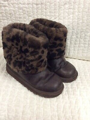 UGG Australia Ellee Animal Stout Girls Boots Black Animal Print Sz 2  1003723K