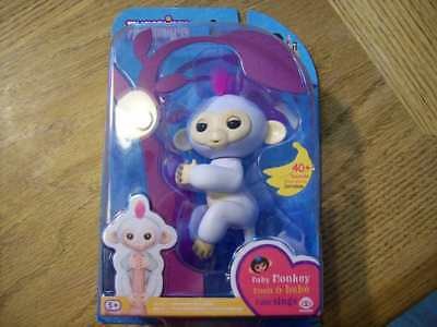 Fingerlings Sophie the Baby Monkey New-in-Box Rare 2017 WowWee