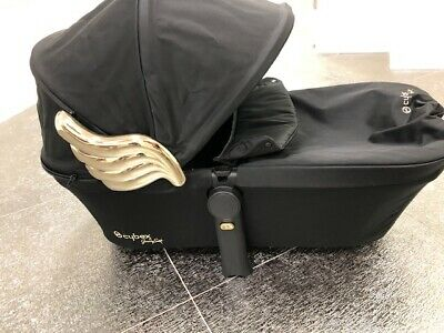 Cybex Priam Wings carry cot by Jeremy Scott - Used in Pristine Condition