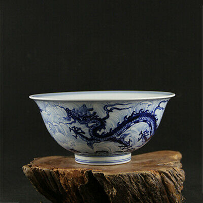 Fine Chinese Ming xuande marked old antique Porcelain blue white dragon bowl