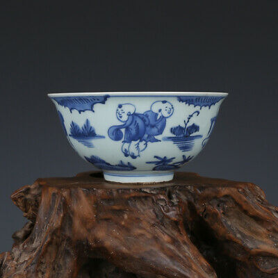 Fine Chinese Ming wanli marked old antique Porcelain blue white Children bowl