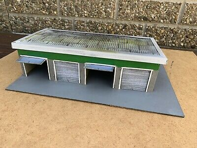 Model Row Of Lock Up Garages - 1/43 Scale For Diorama