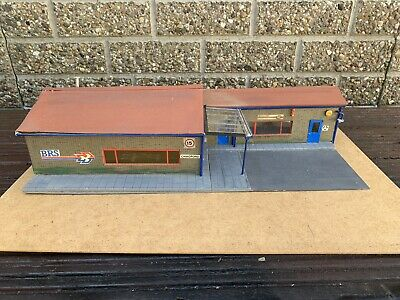 BRS Truck Offices and Warehouse Building - 1/43 Scale For Diorama.