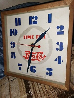 * * Time For Pepsi-Cola Glass Front Clock * *