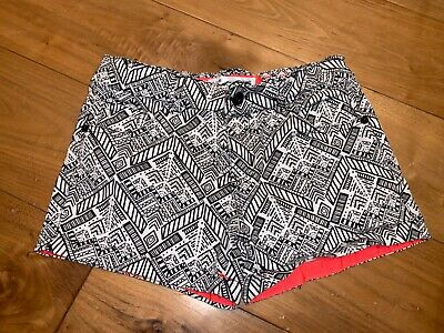 Primark YD girls black and white patterned shorts age 10-11 years vgc