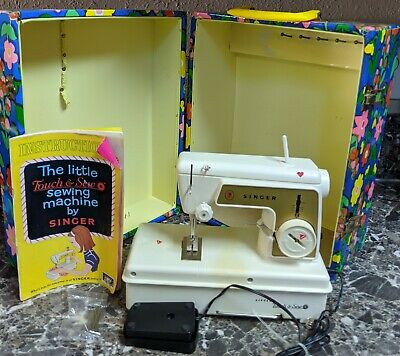 Little Touch & Sew Singer Kids Sewing Machine w/ Floral Case Manual Model 67A23