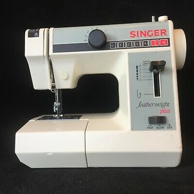 Singer Vintage Featherweight Plus Compact Sewing Machine - Working