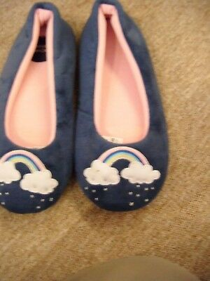 New M/S  Girls Slippers Size 4 Colour Blue