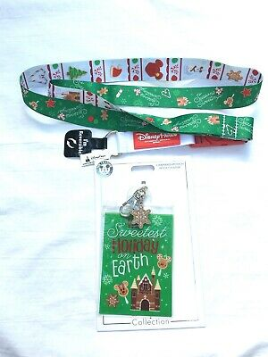 Disney Parks Christmas Holiday 2019 Reversible Lanyard and Pouch w/Charm Treats