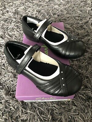 Clarks Movello8 Girls Black Leather School Shoes infant SIZE 7F  NEW