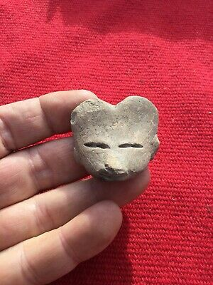 indian artifacts / Pre Columbian Clay Figure Head / Authentic Arrowheads