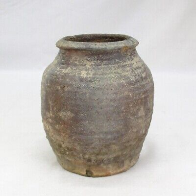 E481: Japanese vase of old ECHIZEN stoneware with great atmosphere.