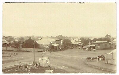 ANTIQUE B&W AUSTRALIAN OUTBACK TOWN REAL PHOTO POSTCARD 1900s unused