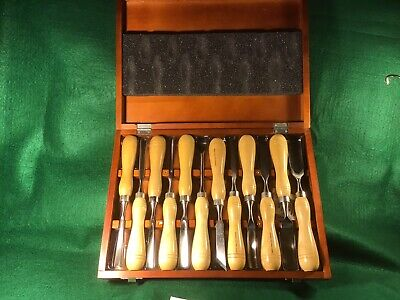 Wood Carving Tools, Set Of 12 Blades. Mastergrip.