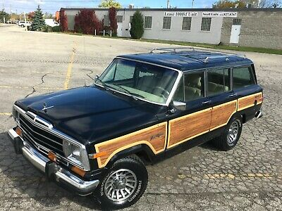 1989 Jeep Wagoneer GRAND WAGONEER MILEAGE IS 132,544 miles  1989 JEEP GRAND WAGONEER  5.9L V8 4x4 VIDEO