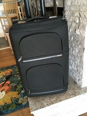 G4 Tumi 2-wheel Suitcase Carry-on 22x14x9 Excellent Condition