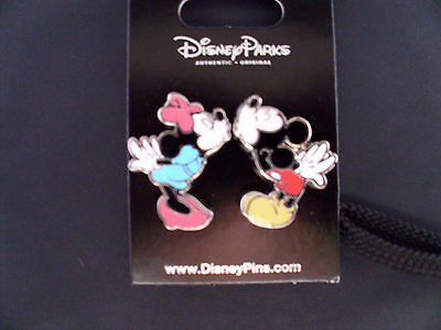 Disney * MINNIE KISSING MICKEY - Standing * 2 Pin Set * New on Card Trading Pins