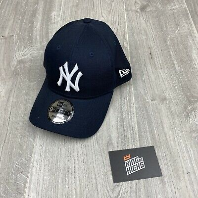New Era League Essential 9Forty New York Yankees Cap Blue White New