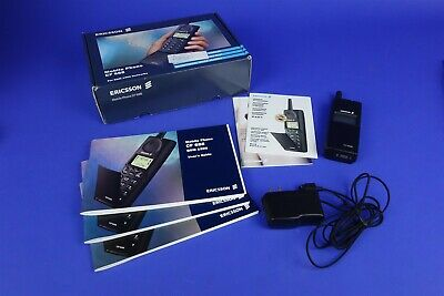 Ericsson CF688 Vintage Mobile Phone - Powers on - NEW? Excellent with Box