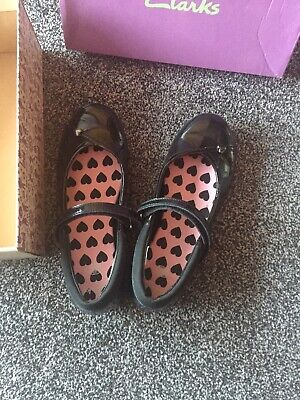 Clarks Girls Shoes Size 4D School Black Patent NEW
