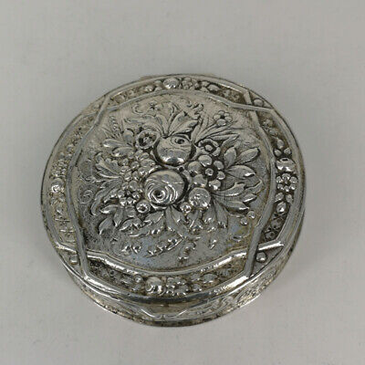 Pills Tin in Solid Silver from the Art Nouveau um 1900