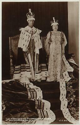 VALENTINE'S KING & QUEEN in CORONATION ROBES at BUCKINGHAM PALACE PHOTO POSTCARD