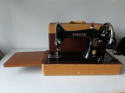 Beautiful 1958 Singer 99 K hand crank sewing machine with accessories
