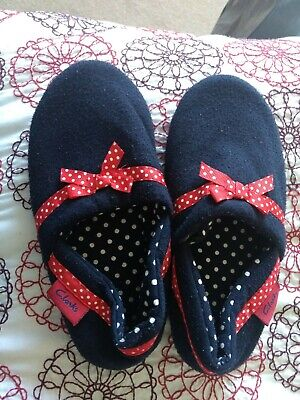 Clarks Size 1 Girls Slippers Excellent Condition