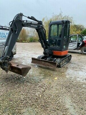 Hitachi ZX29 Digger 2013 air con low hours