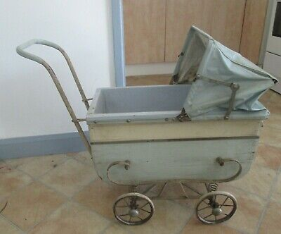 Vintage Baby  Carriage   ( 1940'S )
