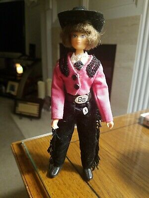 """VINTAGE BREYER  COWGIRL DOLL PINK JACKET 7"""" TALL Jointed Action Figure W/Hat"""