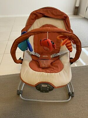 Graco baby bouncer with music and vibration