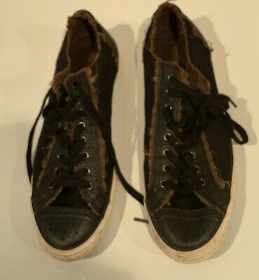 Mens Converse All Star Chuck Taylor Low Top Shoes. Size 11. Great Condition!