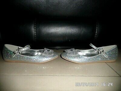Tu Girls Silver Sparkle Bow Shoes Size 4 Excellent Condition