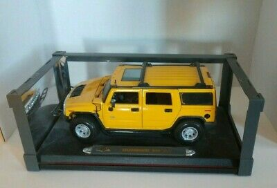 Maisto Premiere Edition Hummer H2 SUV Yellow 1:18 Scale Die Cast car VTG Model
