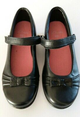 New Clarks Girls Junior Black Leather School Shoes Size UK 3H with DEFECTS