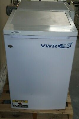VWR SCUCFS-0404 R134a Under-Counter Laboratory Freestanding Freezer Refrigerator