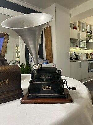 Edison Gem 2 phonograph complete with tubular records