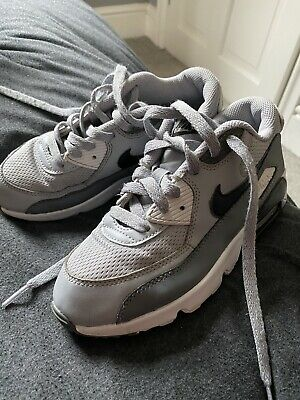 nike air max 90 Trainers Boys/ Juniors Uk Size 2.5 Used Grey