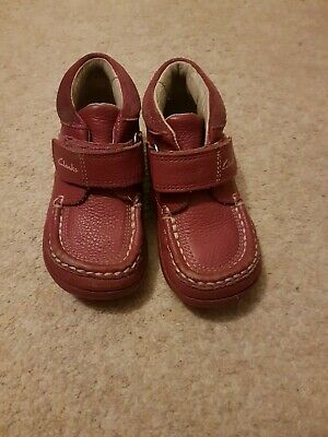 Infant Girls Size 6.5F Clarks Pink Shoe Boots