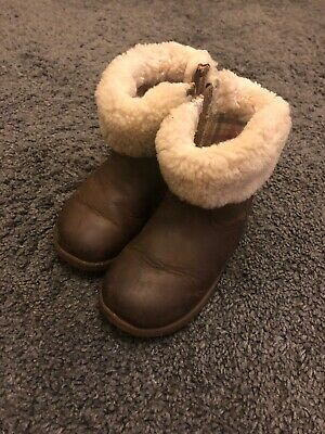 Genuine UGGS Australia Girls Brown Winter Boots Sheep Skin Lined Uk Size 6