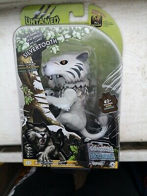 Fingerlings Untamed Sabretooth White Tiger Interactive Pet Toy