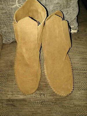 Minnetonka One Button Brown Suede Ankle Moccasins Soft Sole Booties