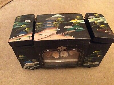Lovely Vintage  Decorative Oriental Lacquered Musical Jewellery Box