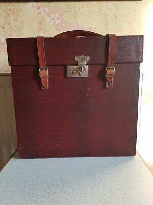 The Winel Gramophone Record Case - Vintage, Antique, Red, Leather straps