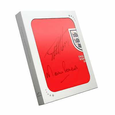 Sir Geoff Hurst e Martin Peters Signed England Football Shirt in scatola regalo