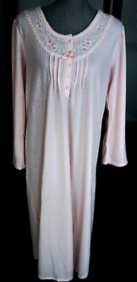MISS ELAINE CuddleKnit LONG SLEEVE Round Neck PIN TUCKS Peach NightGown M NWT